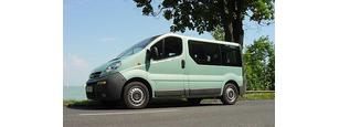 Opel Vivaro kisbusz  bérlés
